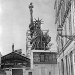 funny-Statue-of-Liberty-old-photos